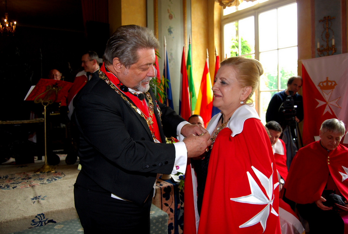 how to become a member of knights of malta